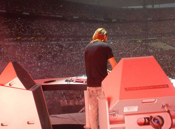 David Guetta using DJ Monitor PSM318 for Live DJ Show on tour with Rihanna - Stade de France, Paris